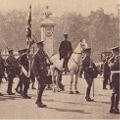 New guard approaching Buckingham Palace, 20 Aug 1929.