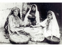 Palestinian Arab women at unknown location, undated.